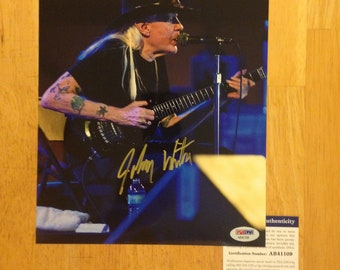 Signed JOHNNY WINTER in Concert 8x10 Photo PSA autographed