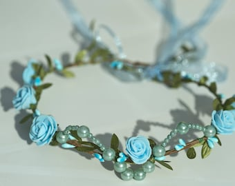 Wreath of berries and turquoise beads