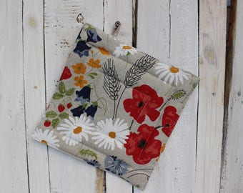 Pot Holder With Meadow Flowers - Linen Pot Holder - Kitchen Pot Holder - Christmas gift for the cook