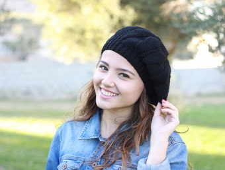 Black Slouch hat, Women black beret, Hand Knitted Hat, Winter black hat, Handmade beret, Black knit hat, Women black hat, Slouchy black hat