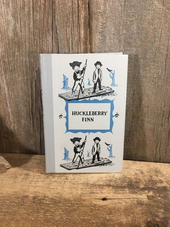 VIntage book, the Adventures of Huckleberry Finn and Mark Twain, Junior Deluxe Editions book copyright 1954, great vintage book, childrens