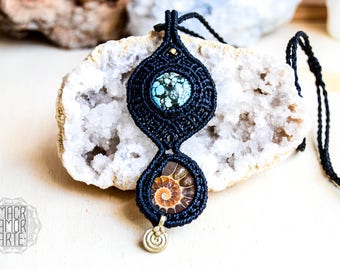 AMMONITE & Turquoise Macrame Necklace, Healing Stones, Micromacrame, Birthstone Jewelry, Hippie Chic, Bohemian Jewelry, Gipsy, Burning Man