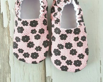 Pop Floral Baby Shoes / Baby Moccasins / Baby Moccs / Vegan Moccs / Vegan Moccasins / Soft Soled Shoes / Waldorf / Montessori