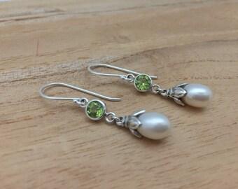 Peridot Pearl Drop Earrings // 925 Sterling Silver // Bali Design