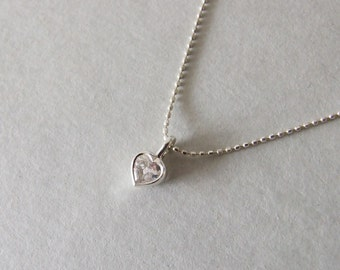 Delicate Heart Necklace - silver heart necklace , gift for her , women's necklace , petite necklace , romantic gift , christmas gift ,