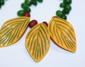 Leaf and Berry Necklace Yellow and Green Vintage Green Glass Adjustable Choker