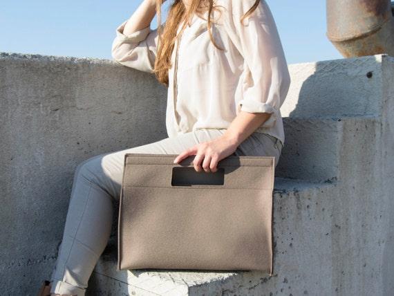 Wool Felt HANDBAG / taupe bag / taupe handbag / wool felt bag / minimalist bag / made in Italy
