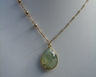 Gold chain, 585 vintag necklace with genuine Prehnite