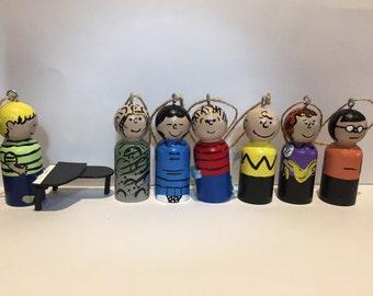 Peanuts Peg Doll Set
