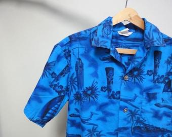 Vintage 50 s faite en chemise hawaïenne de Hawaii, bleu Royal, Aloha Tower, Tikis, danseurs de Hula