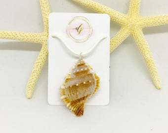 Large Conch Necklace, Conch Necklace, Beach Jewelry, Seashell Jewelry, Shell Jewelry, Boho Jewelry