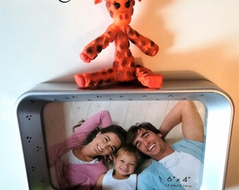 Giraffe 15 by 10 cm picture frame