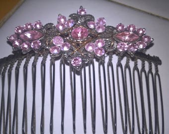 Pink Fancy Hare Comb