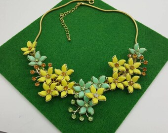 Floral Necklace Yellow and Mint green  in a Golden choker Celluloid Retro