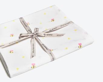 Buzzing Bee-Organic Fitted Crib Sheet, Nursery Crib Sheet, Fitted Crib Sheet, Bee Crib Sheet, Cot Sheet, Baby Girl Crib Sheet, Crib Sheets