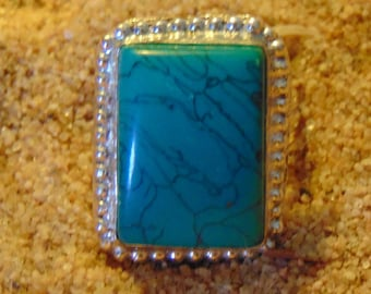 Turquoise and Sterling vintage ring.... size 8.5