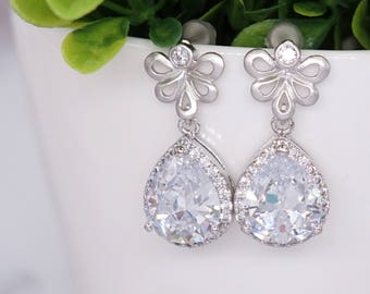 Luxe Cubic Zirconia Teardrop Ear Post, Brides Bridal Wedding Bridesmaid Earrings, Wedding Bridal Earrings E311 N62