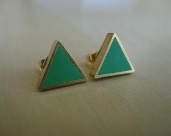 kelly green small brass triangle stud earrings