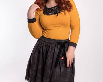 ABIGAIL_08 Ruffled Gothic Waist Skirt with Pin BLACK BEES