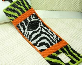 Eye of the Zebra peyote beaded cuff bracelet pattern: Instant Downloadable Pattern PDF File
