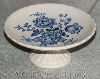 """Vintage Blue and White Transferware Basket of Flowers Small Comport / Pedestal Cake Stand 5 1/8"""" diameter c.1950's (ref: 2280)"""