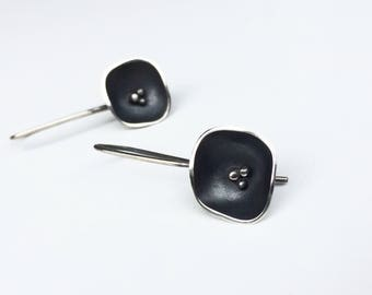 Silver dangle flower earings,sterling silver,oxidized,flower,black, bridal earrings - Black flower