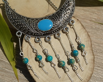 Necklace plastron and semi precious beads