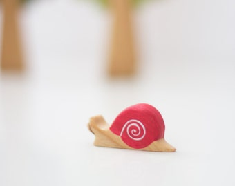 Wooden snail toy Garden life creatures Snail figurine