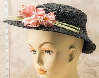 1930s or 40s ladies black/dark navy straw/raffia hat. Fair Labor Standards label. Summer hat