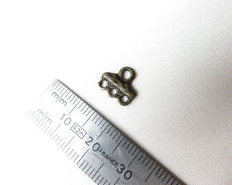 A small Clip 3 + 1 bronze holes