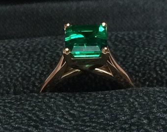 Classic Solitaire Engagement Ring 14K Rose Gold with 9x7mm Green Emerald Center Valentine's Present Fine Jewelry Gemstones Unique Ring-V1100