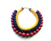 Collier imposant, plastron, collier corde, bijoux ethnique, collier tribal africain, spike, bijoux été colorés, jaune bleu et rose