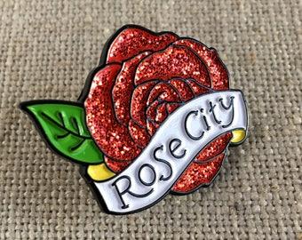 Ville rose paillettes épinglette Portland Oregon rose ville Flair moderne / Enamel Pin / Cool Stuffer de bas / paillettes Rose / PDX idée cadeau
