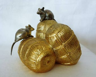 """VJ887:Rats on a rice bales,Fine Japanese Mix metal """"Lucky Rats on a Rice Bales""""Okimono ornament,year of Rat zodiac sculpture,made in Japan"""