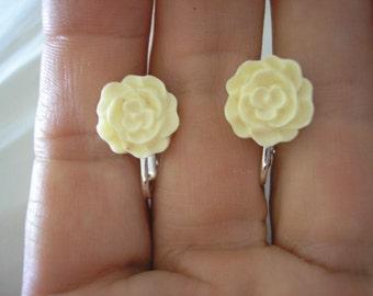 "Play Earring - Clip - Mini Rose - Cream - 1/2"""