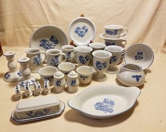 Vintage Pfaltzgraff Yorktown 42 pieces & Pfaltzgraff | Etsy