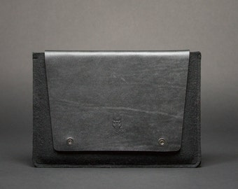 15' Macbook Case, Macbook 15' leather sleeve - Minimalistic Macbook Case from Italian leather and wool felt.