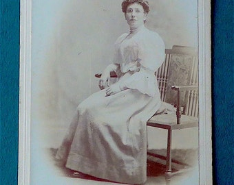 Cabinet card, antique.  Featuring an elegant lady seated.  Mansfield, 12 Maningham Lane, Bradford.  c 1890's.