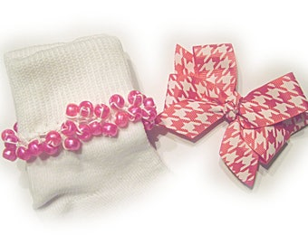 Kathy's Beaded Socks - Raspberry Houndstooth Socks and Bow, holiday socks, pony bead socks, pearl socks, holiday socks, houndstooth socks