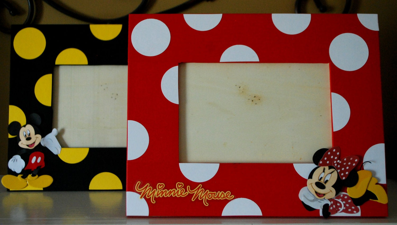Mickey or Minnie Mouse Photo Frame Coordinates with Party