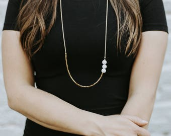 Triple Howlite Layer Necklace | Long Chain Marbled Stone