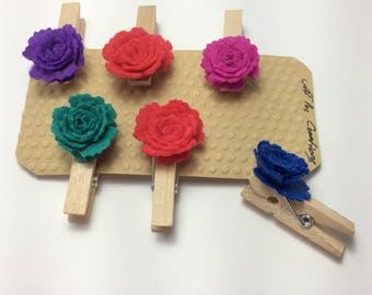 Wooden Pegs/Decorative Pegs with a felt roses/wood pegs with Rose felt