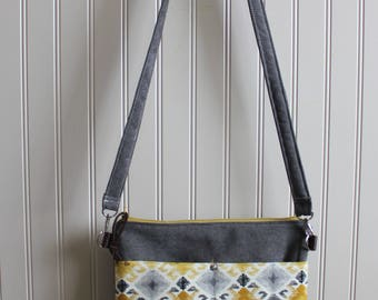 Cross Body Purse with Front Pockets