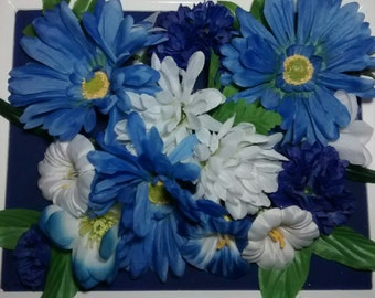 Blue and white floral border