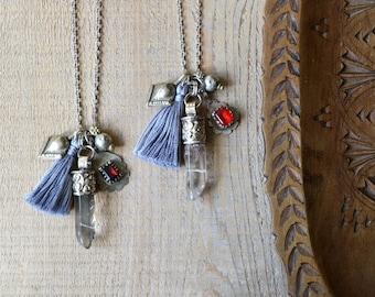 Collier en cristal, bijoux Bohème pompons, bijou, collier pointe de quartz, bijoux Bohème, cadeau pour elle