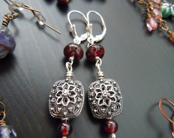 Earrings dangling - craft beads of Bali granulation in silver, Garnet, sterling silver 925 - Bohemian chic