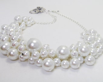 White Cluster Necklace, White Pearl Necklace, White Pearl Necklace, White Chunky Necklace, White Cluster Bridal Necklace, White Bib Necklace