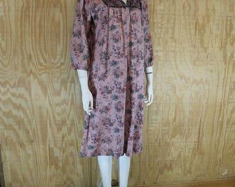 Vintage 1970's JEAN LESLIE Floral Print Poet Sleeve Hippie Boho Prairie Shift Tent Dress Small Medium S / M