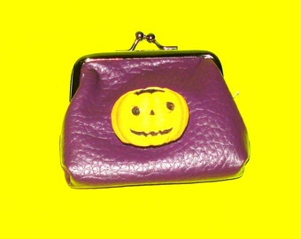 Great Pumpkin Vintage Style Jack O'Lantern Halloween Horror Bold Purple Leather Luxe Kisslock Coin Purse
