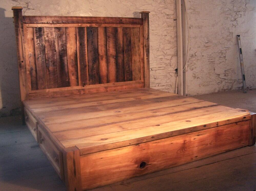 Pino rústico recuperado plataforma cama con cabecero y 4